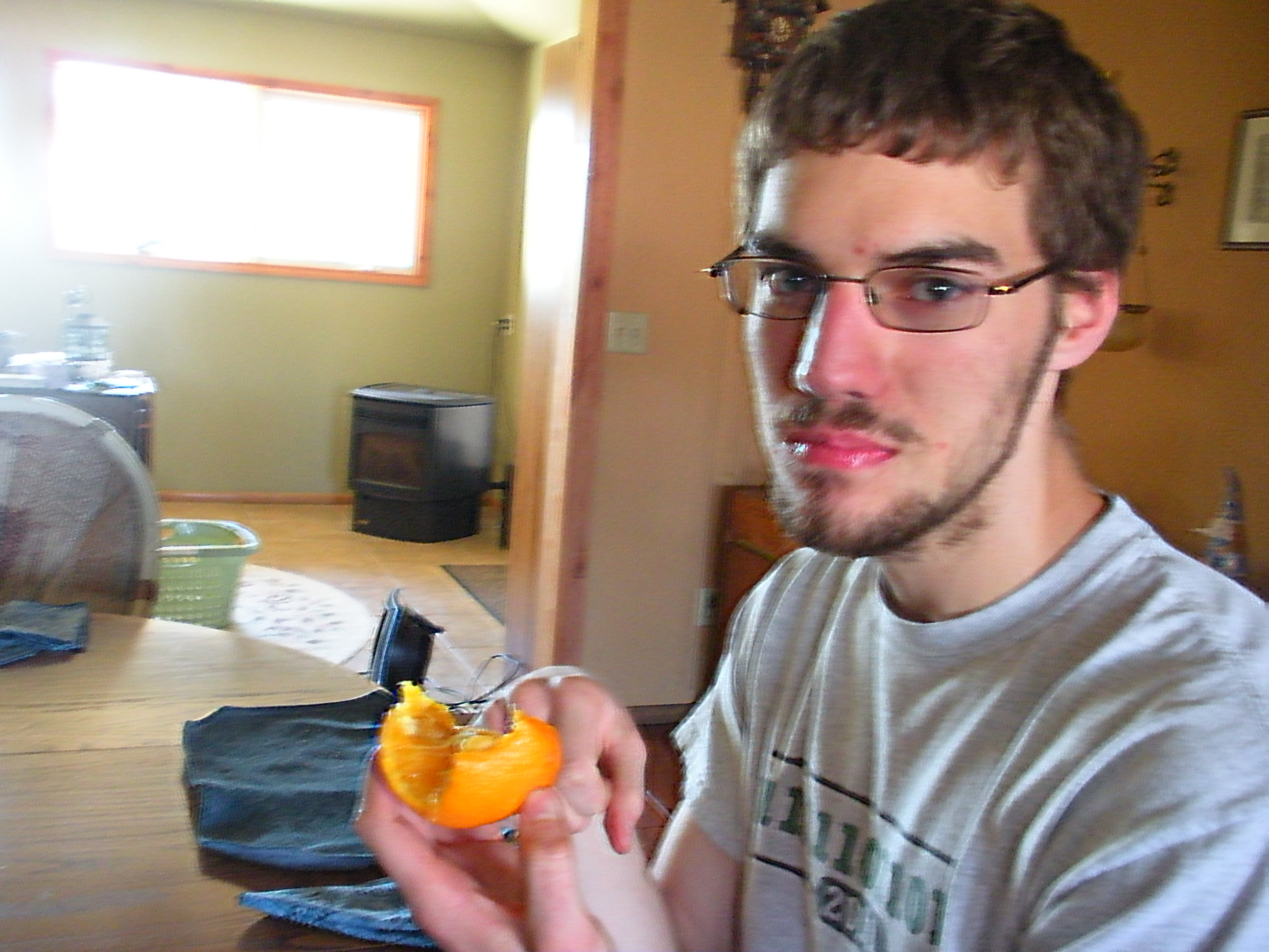 How to eat an orange | Spokalulu