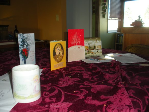 DSCN8671 Christmas cards and coffee