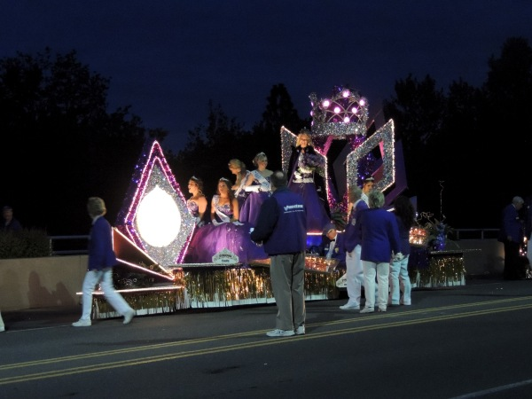 princesses preparing to parade