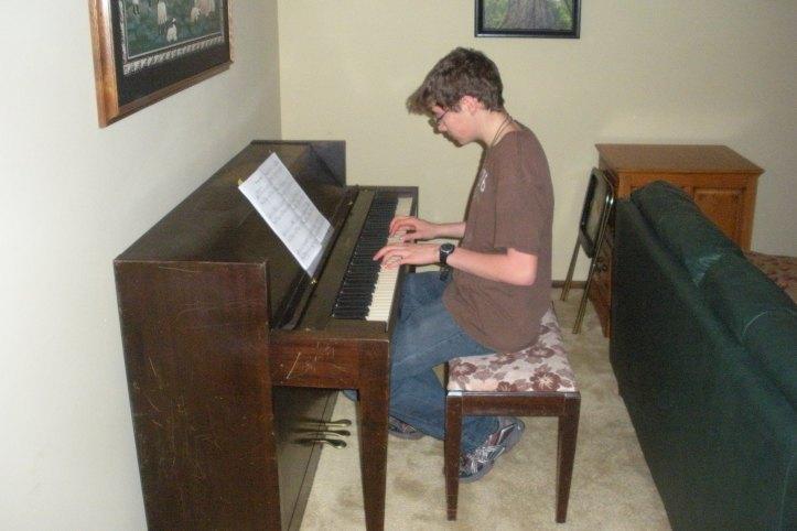 DSCN2386  new piano, cropped, websized