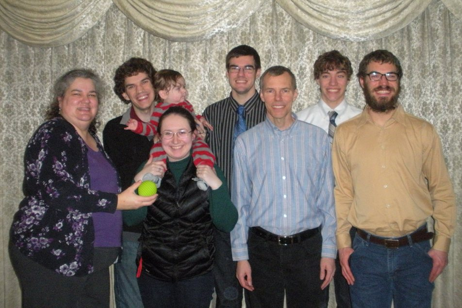 dscn2938-family-pic-websized-christmas-eve-2016