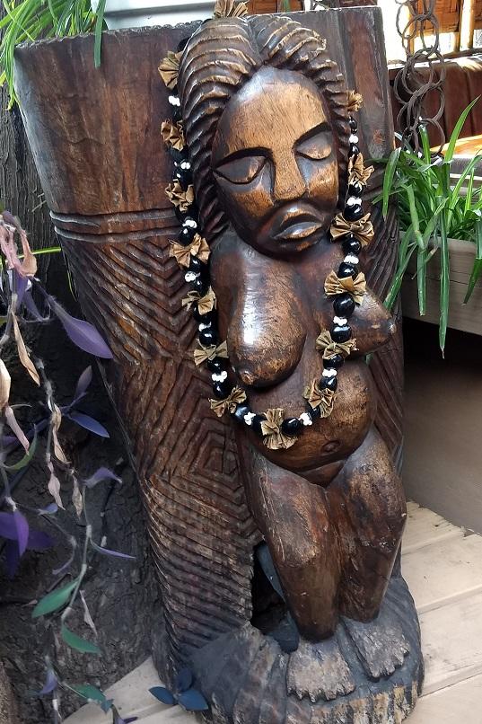 Tiki Bar statue, WEBSHARE