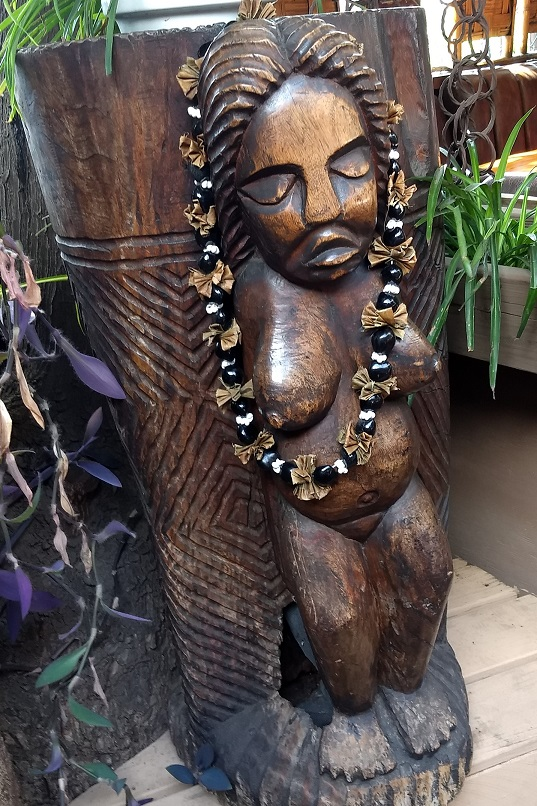Tiki Bar statue, WEBSHARE